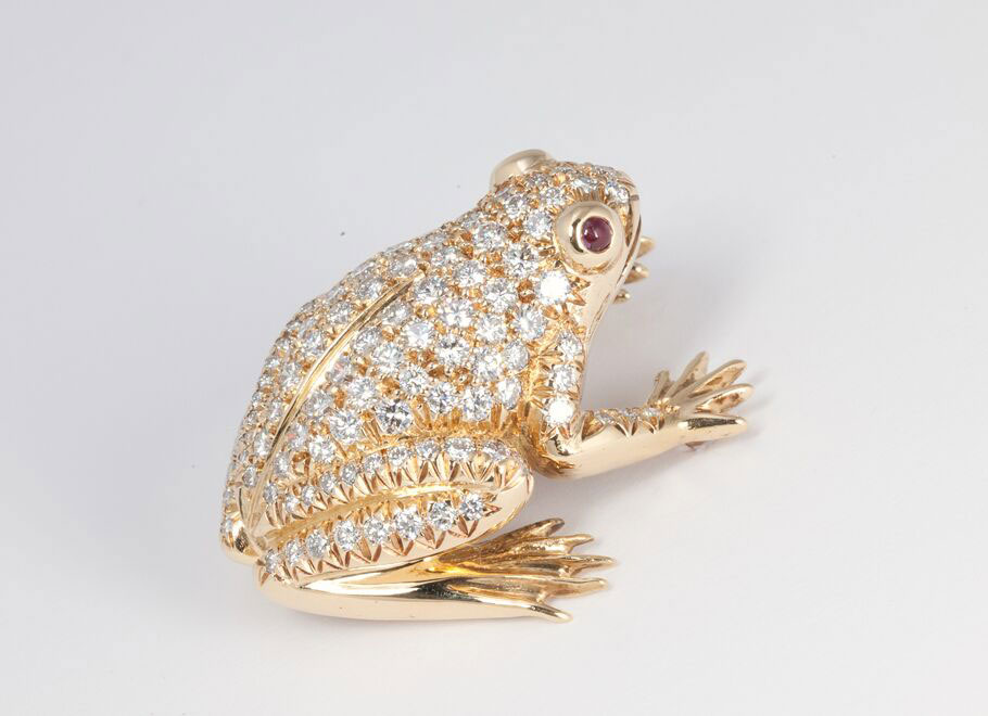 Yellow Gold Pavé Diamond Frog Brooch with Ruby Eyes